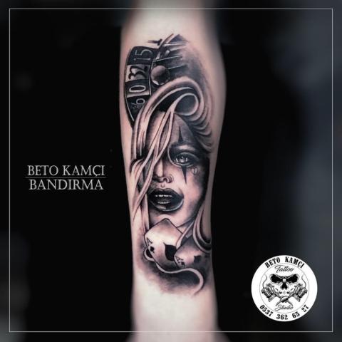 Kadın Yüzü & Rulet & İskambil Kağıdı Dövmesi - Woman Face & Roulette & Playing Card Tattoo