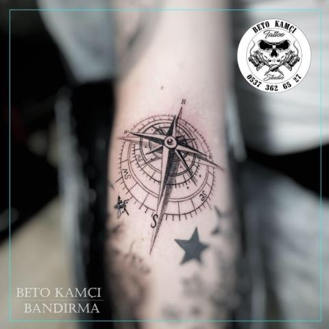 Pusula Dövmesi - Compass Tattoo