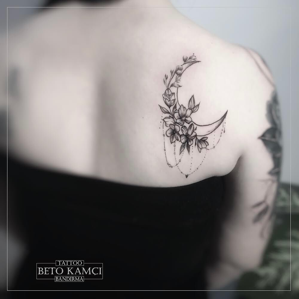 Ay & Çiçek Dövmesi - Moon & Flower Tattoo