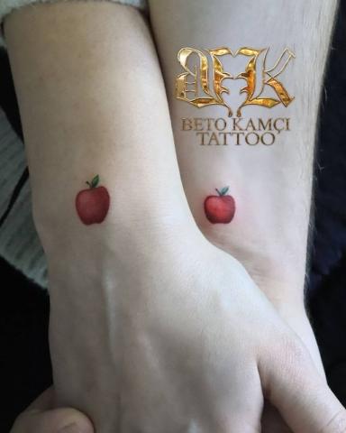 Elma Dövmesi - Apple Tattoo