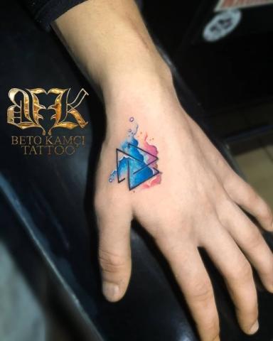 Suluboya Üçgen Dövmesi - Watercolor Triangle Tattoo (Dövme Kapatma)